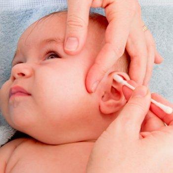 Como limpar os ouvidos do seu bebê