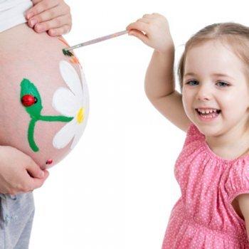 Você gostaria de pintar a sua barriga durante a gravidez?