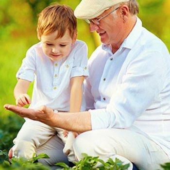 As crianças que crescem com seus avós são mais felizes