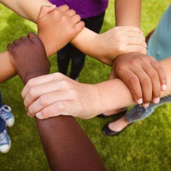 Conselhos para ensinar as crianças a serem solidárias