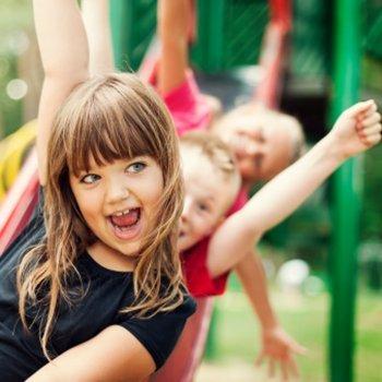 As crianças e seus amigos durante a Educação Infantil
