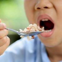 Benefícios do arroz para crianças e gestantes