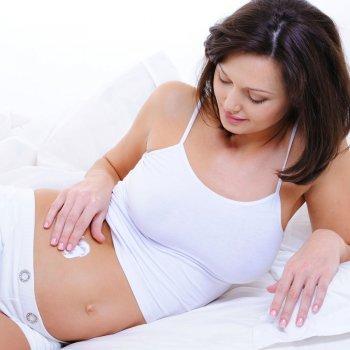 A pele la mulher durante a gravidez