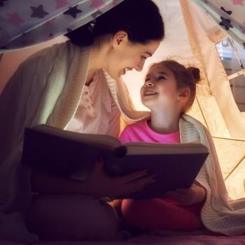 Brincar com os livros para estimular a leitura das crianças