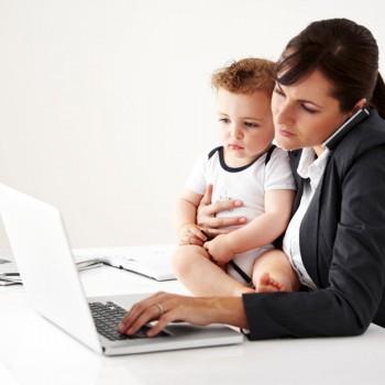 O estresse de ser mãe e trabalhadora