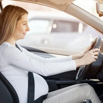 Dirigir durante a gravidez. Conselhos para grávidas