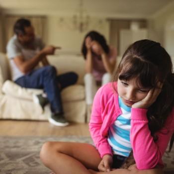 Como a criança se sente quando os seus pais discutem