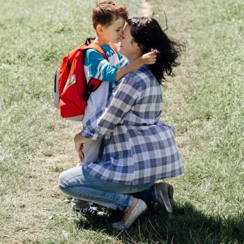 Como ajudar a criança que sente medo de ir à escola