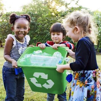 Como ensinar os filhos a reciclar o lixo