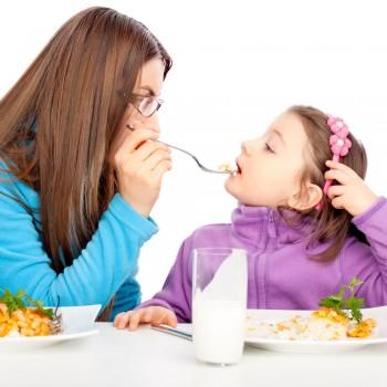Por favor, não obrigue o seu filho a comer