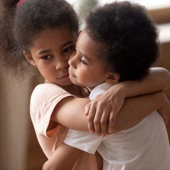 A difícil tarefa de ensinar os filhos a pedir perdão