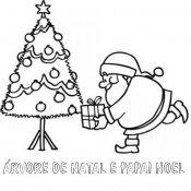Desenho de árvore de Natal com Papai Noel para pintar