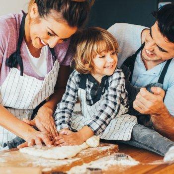 Como as crianças podem se divertir na cozinha