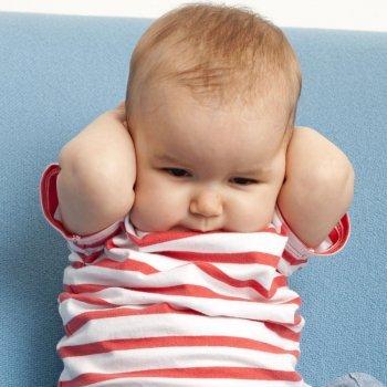 Como saber se o seu bebê ouve bem. Surdeira infantil