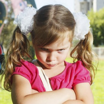 Como gerenciar as emoções negativas das crianças