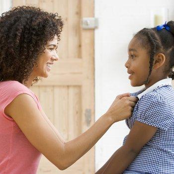 O uniforme escolar das crianças: vantagens e desvantagens