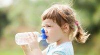 A quantidade de água que as crianças devem beber