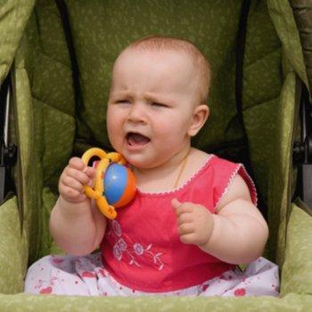 Quando o bebê não quer ficar no carrinho de passeio