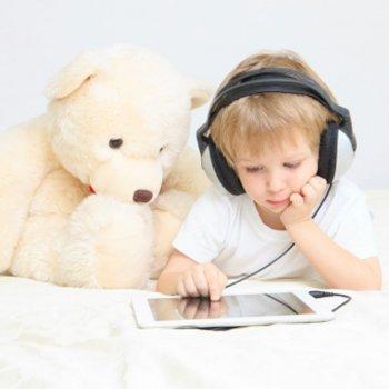 Lesões em crianças derivadas do uso de smartphones e tablets