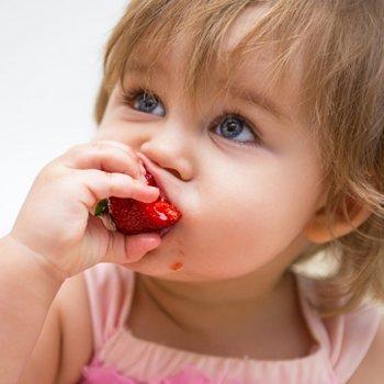 Morangos: mais vitamina C para as crianças