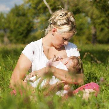Devemos exigir mais respeito ao aleitamento materno