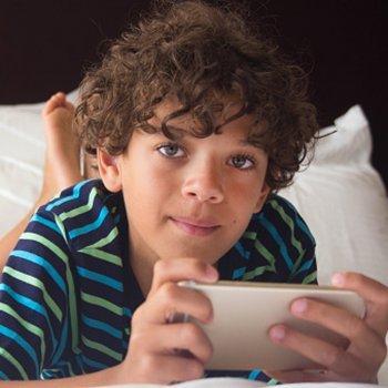 O maior uso de tablets e videogames: piores notas escolares