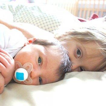 Por que as crianças costumam passar mal à noite?