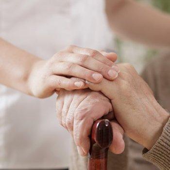 Contra o maltrato aos idosos na família