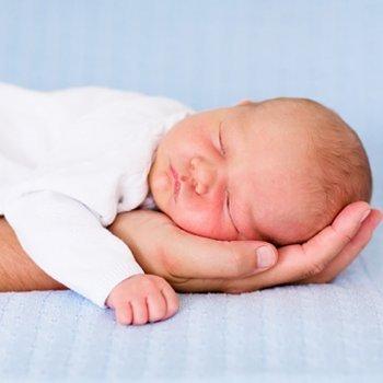 Como se pega a um bebê recém-nascido