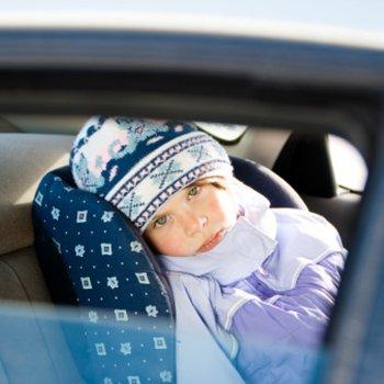 Por que é perigoso deixar o bebê no carro também no inverno