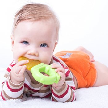 O que fazer quando começam a sair os dentes do bebê