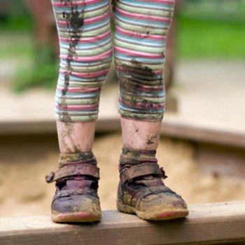 7 razões para que seu filho tire os sapatos antes de entrar em casa