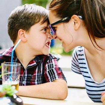 Por que as mães confundem os nomes dos filhos