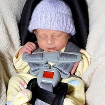 O perigo que o bebê durma na cadeirinha do carro