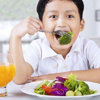 7 perigos da dieta vegana para as crianças
