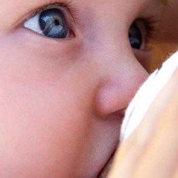 O consumo de cerveja sem álcool durante o aleitamento materno
