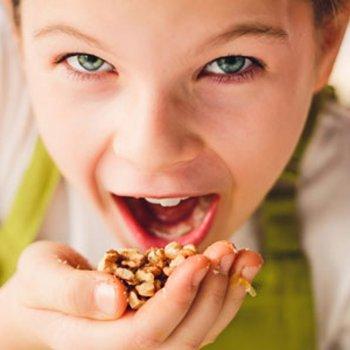 Alimentos que facilmente as crianças se engasgam