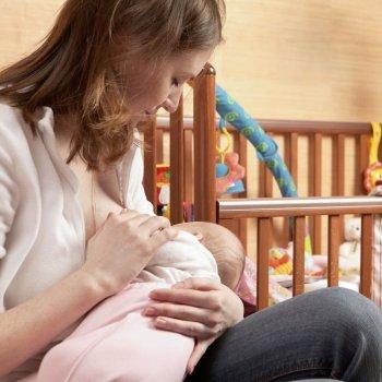 Como dar o peito ao bebê