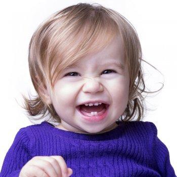 Quando caem os dentes de leite do bebê
