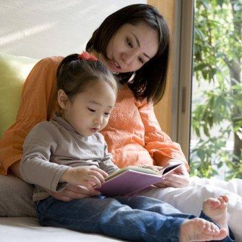 Como contar contos às crianças
