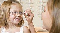 Como descobrir os problemas de visão nas crianças