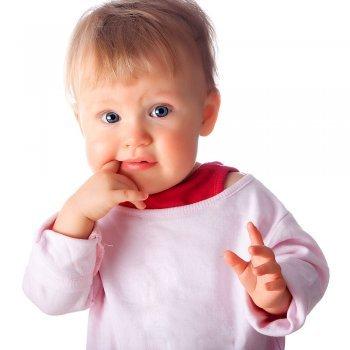 Como aliviar o desconforto do nascimento dos primeiros dentinhos do bebê