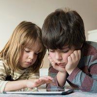 10 motivos para proibir os smartphones para crianças menores de 12 anos