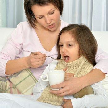 Remédios caseiros para a dor de garganta nas crianças