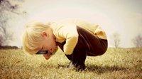 Crianças curiosas. A curiosidade das crianças