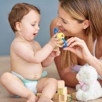 Os primeiros brinquedos para o bebê