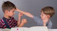 Os pais devem defender as crianças de outras crianças?