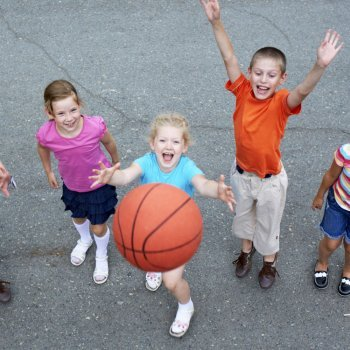Benefícios do basquete para as crianças