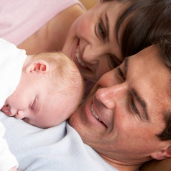 O primeiro dia do bebê em casa depois do parto
