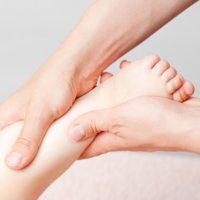 Benefícios da reflexologia e massagem em crianças